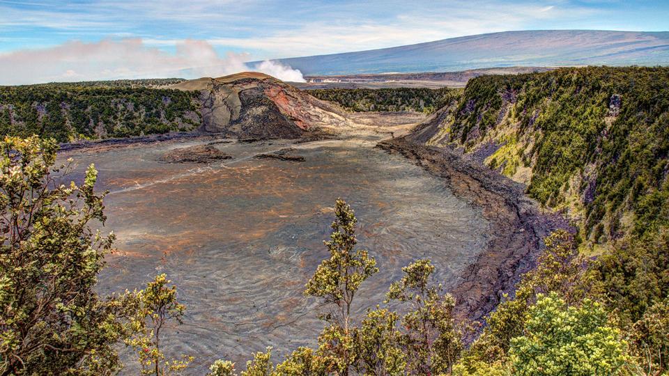 hawaii volcanoes national park kilauea iki crater